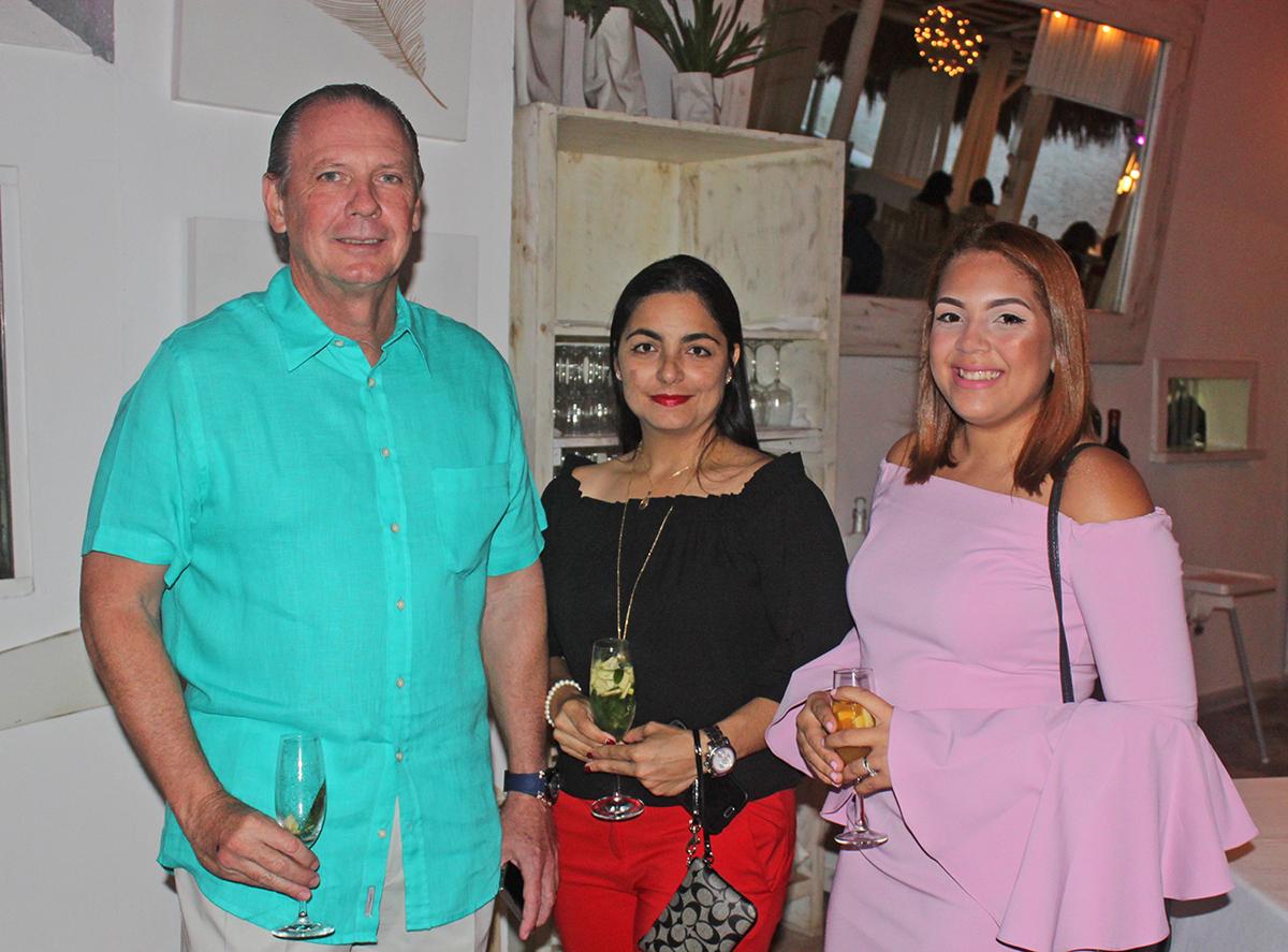 Williams Harper, Milka Fontanilla y María Magdalena Pérez